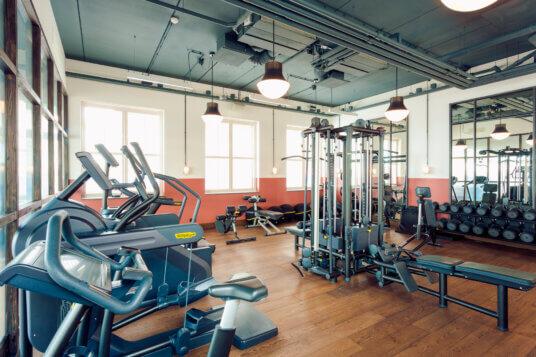 Interieur sportschool van hotel